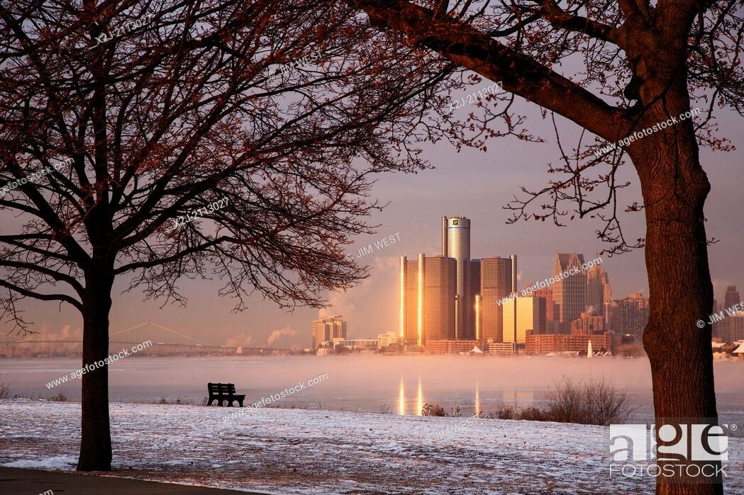 Stock Photo: Detroit, Michigan - Downtown Detroit and the icy Detroit River, from Belle Isle, a city park in the middle of the river.