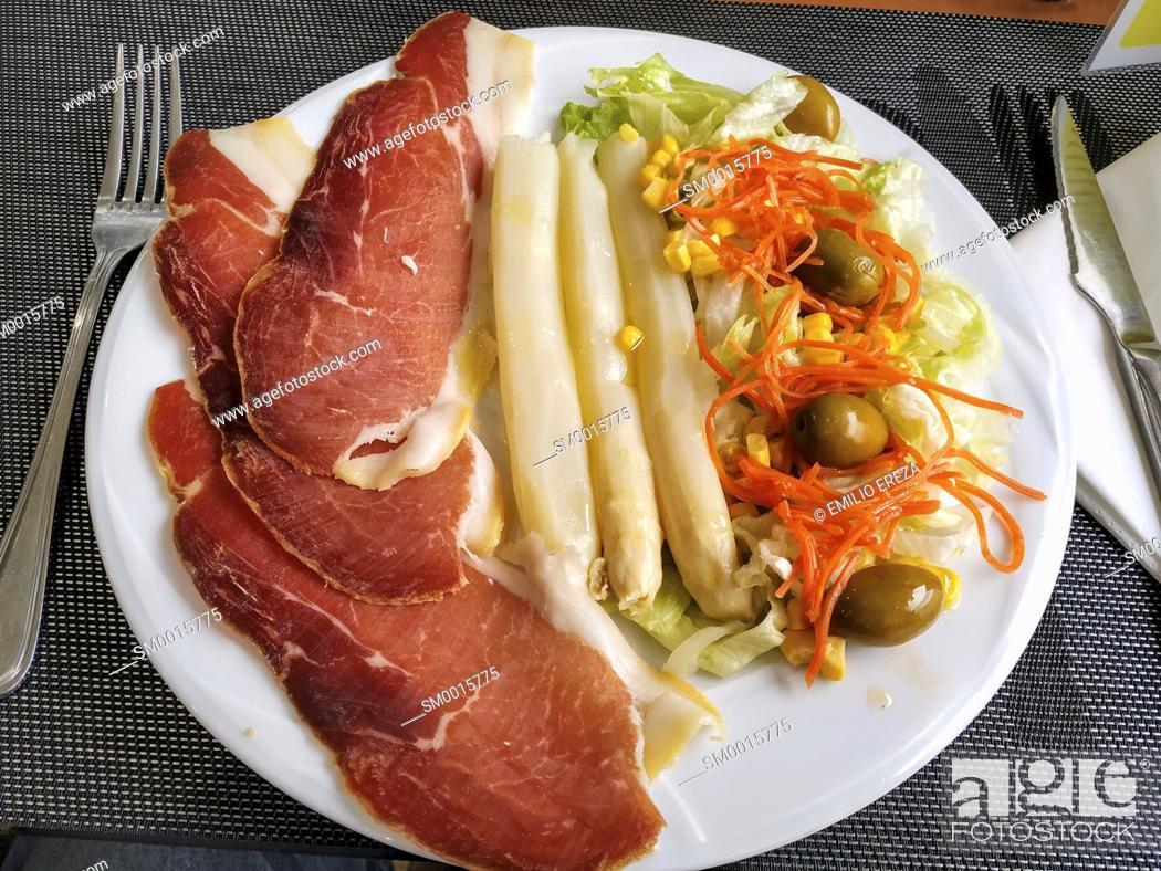 Stock Photo: Asparagus with ham.