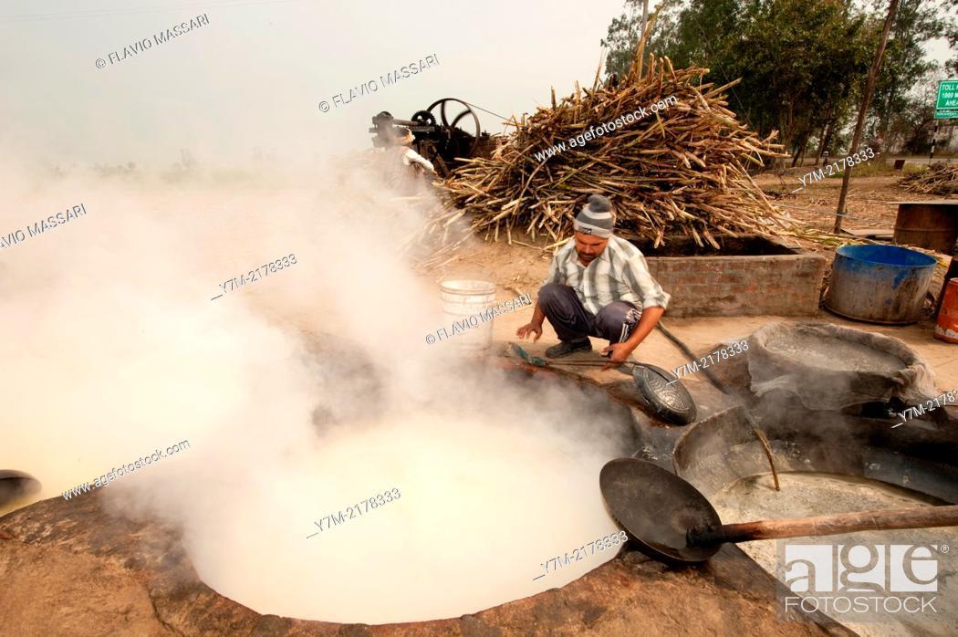 Stock Photo: India: Punjab: Sugar production from Sugar Cane.
