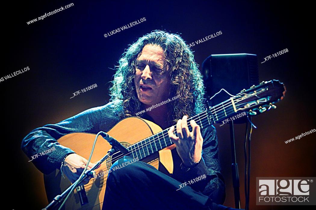 Stock Photo: `Tomatito', José Fernández Torres, Teatre Coliseum  Barcelona, Cataluña, Spain.