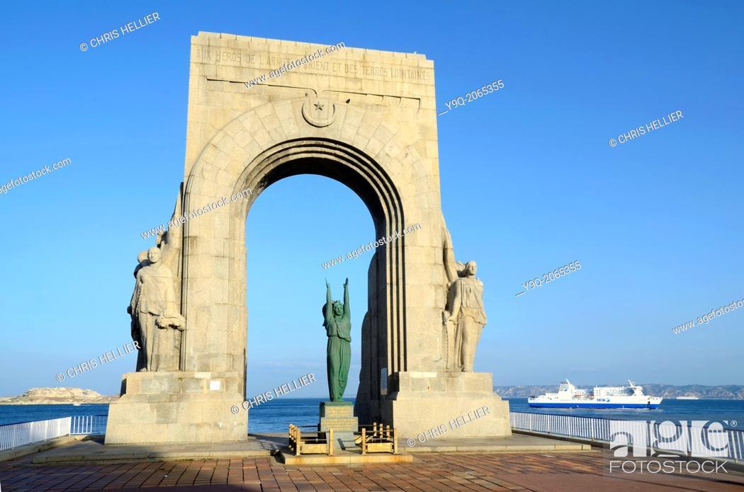 Imagen: Monument aux Morts d'Orient & Ferry Marseille.