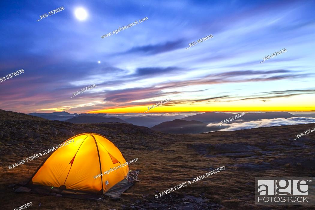 Stock Photo: Camping at the National Park of Ordesa and Monte Perdido, Huesca, Spain.