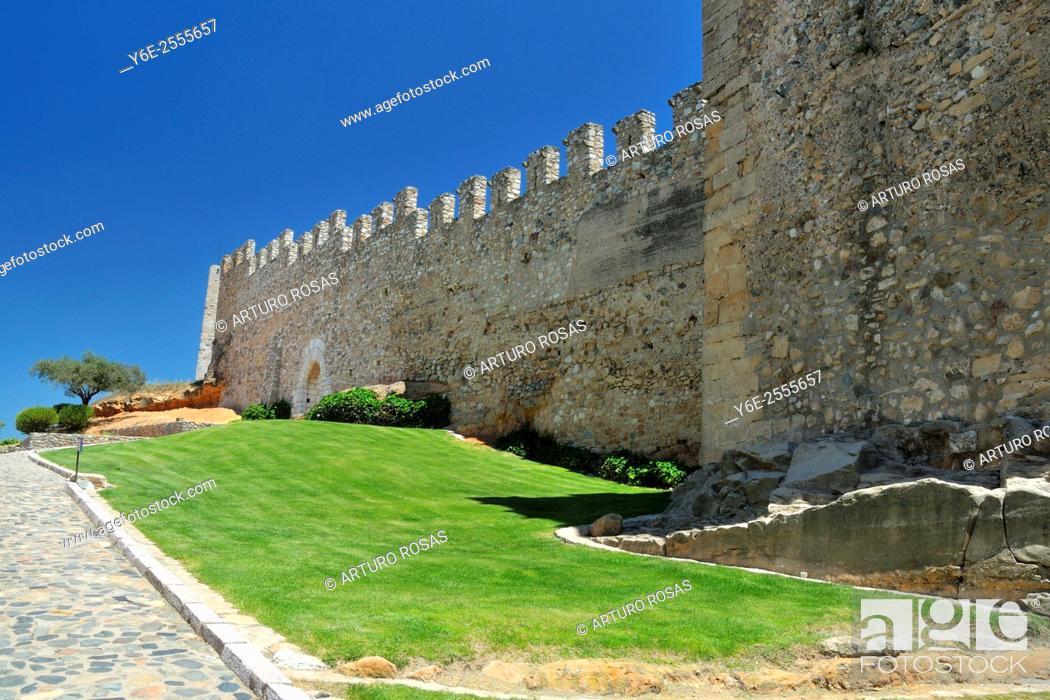 Stock Photo: The walls of Montblanc, Tarragona.