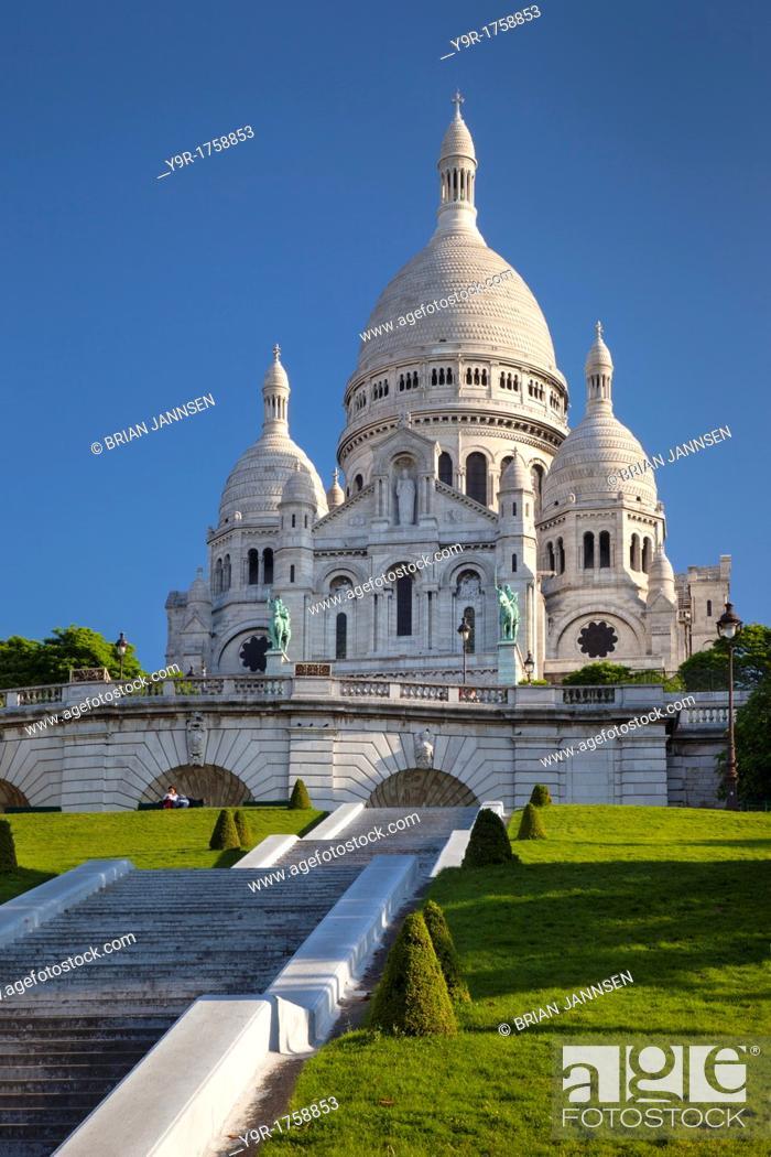 Stock Photo: Early morning below Basilique du Sacre Coeur, Montmatre, Paris France.