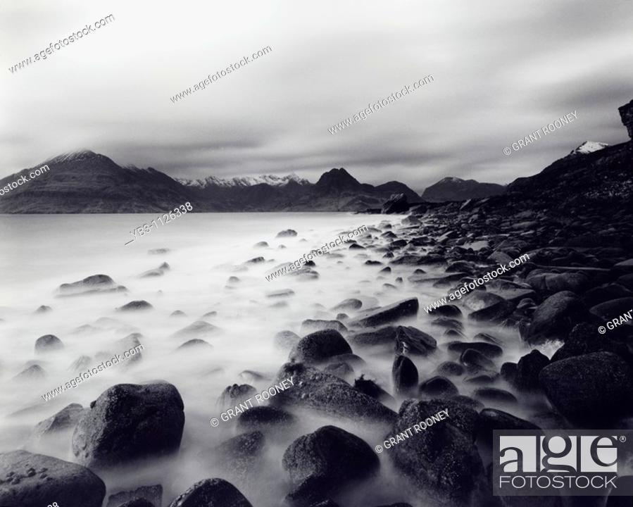 Photo de stock: The Cuillin Mountains , Isle of Skye , Scotland.