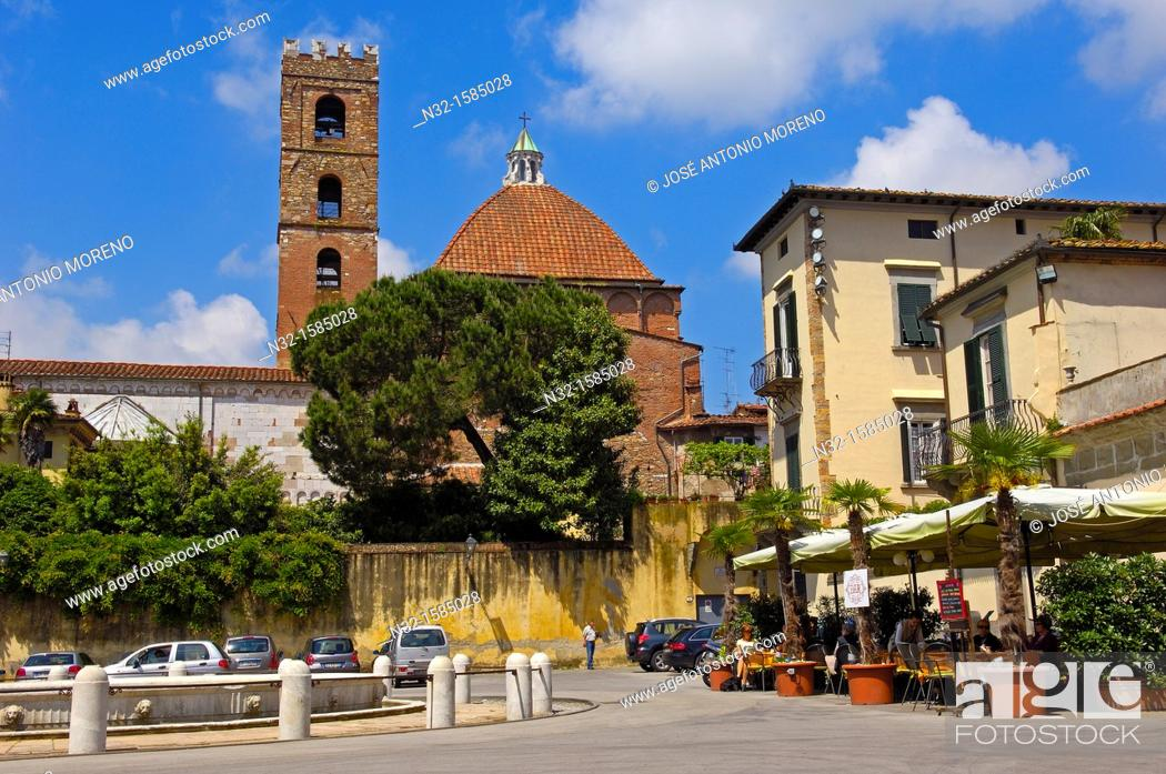 Stock Photo: Lucca, San Martino Square, Piazza San Martino, San Giovanni church, Chiesa di San Giovanni, Tuscany, Italy.