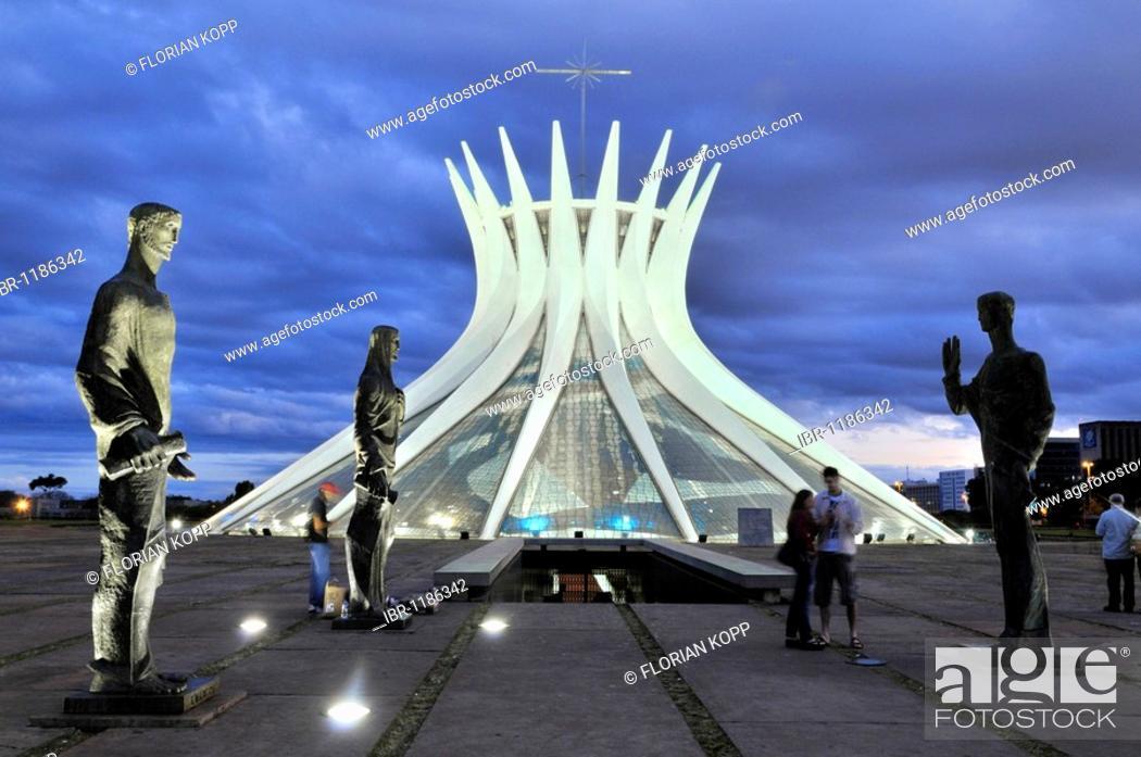 Stock Photo: Statues of the Evangelists in front of the Cathedral Catedral da Nossa Senhora Aparecida, architect Oscar Niemeyer, Brasilia, Distrito Federal state, Brazil.