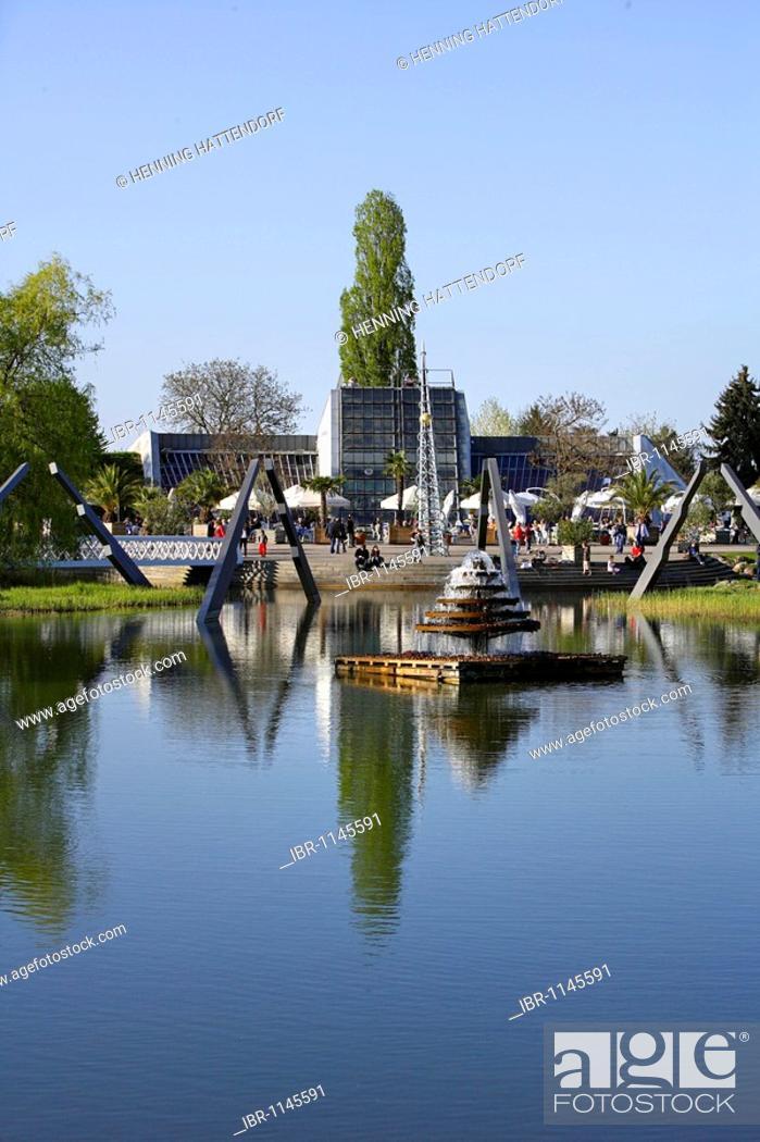 3f8279be2577f7 Stock Photo - Lake at the Kalenderplatz square
