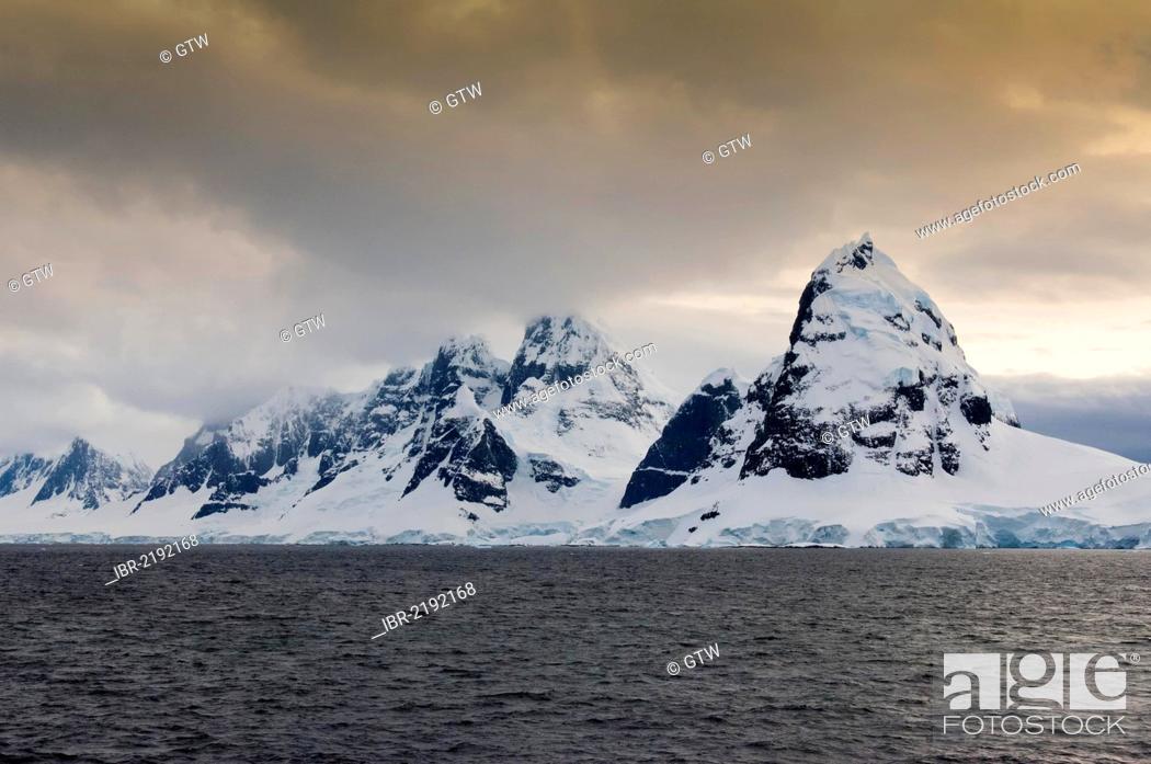 Imagen: Anvers Island, Gerlache Strait, Antarctic Peninsula, Antarctica.