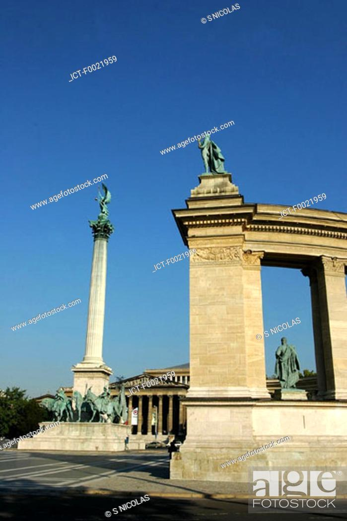 Stock Photo: Hungary, Budapest, Millenary Monument.