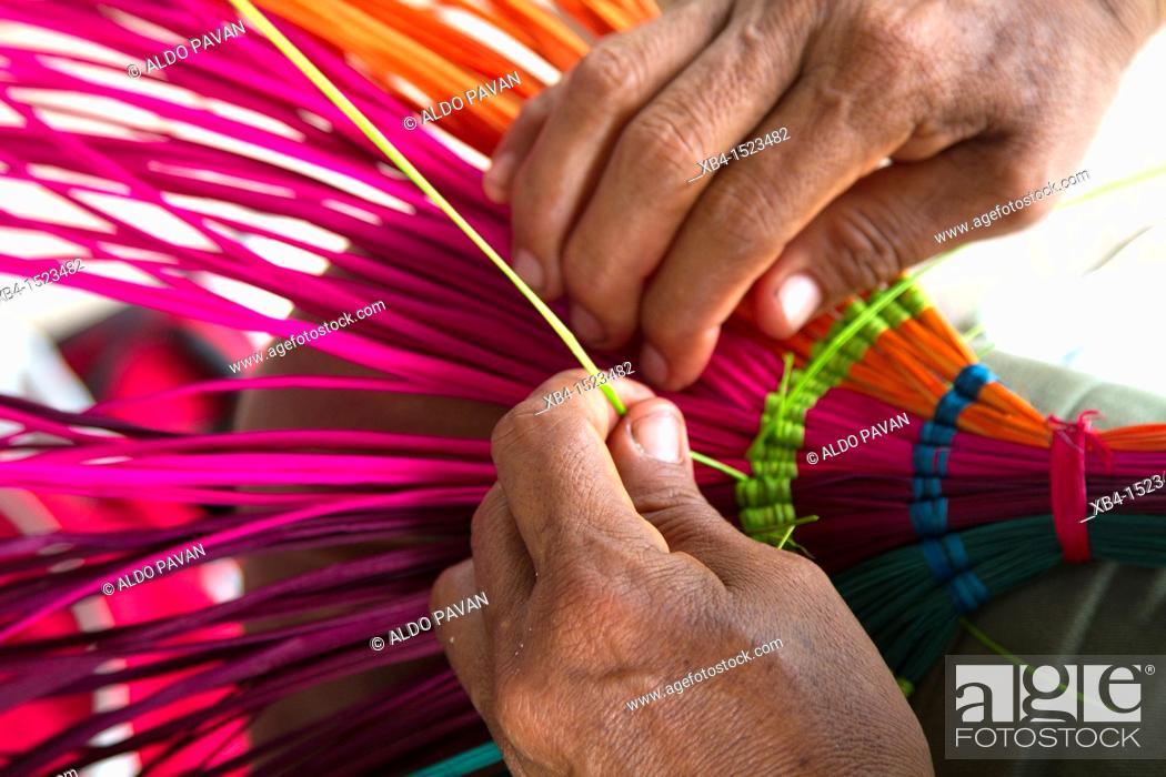 Stock Photo: Making baskets, Nuevos Horizontes, Rurrenabaque, Bolivia.