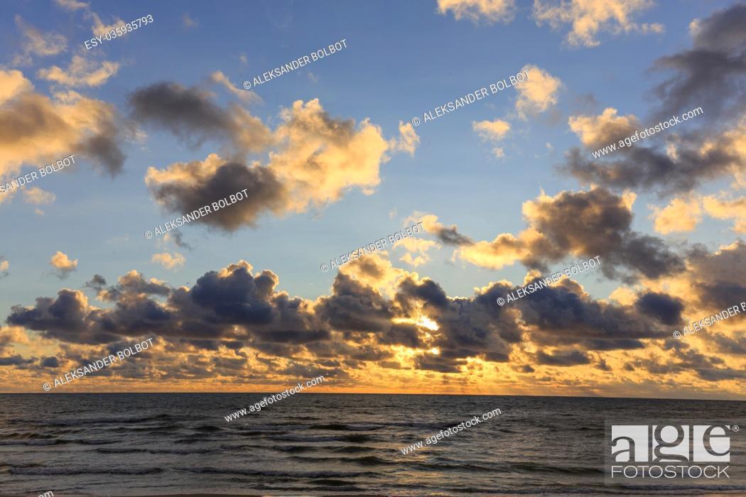 Photo de stock: Baltic Sea beach with cloudy sky in summer sunset, Palanga, Lithuania, Europe.