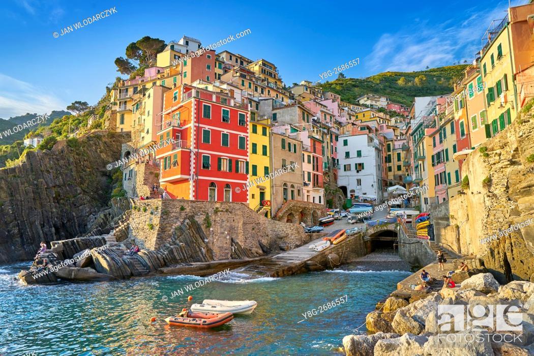Stock Photo: Riomaggiore, Riviera de Levanto, Cinque Terre, Liguria, Italy.
