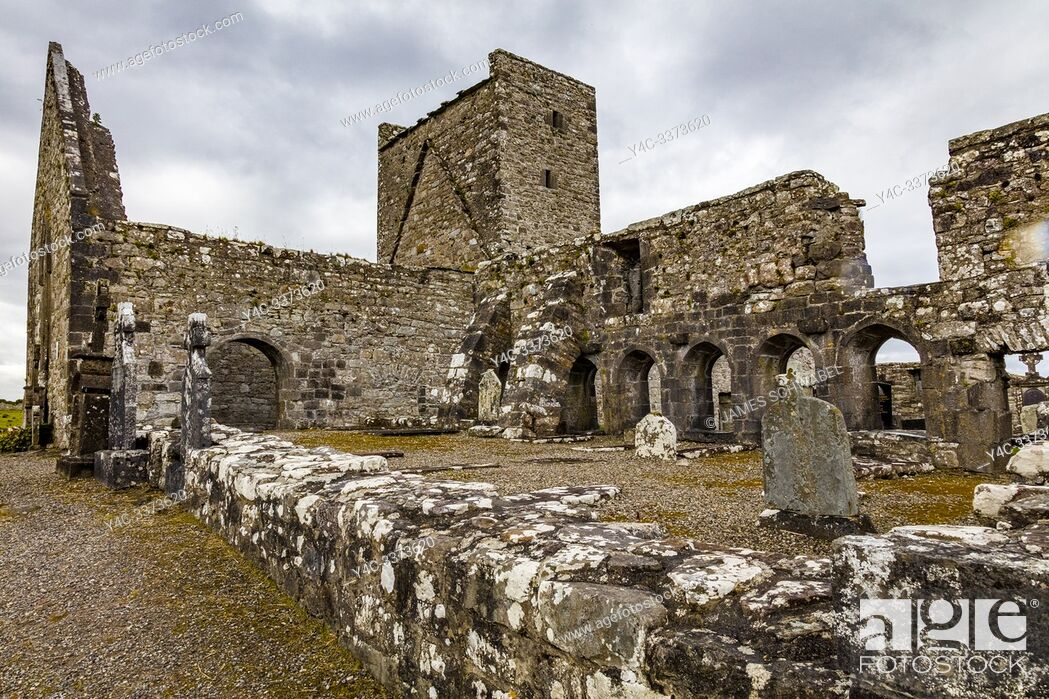 Imagen: Ruins of Burrishoole Friary a Dominican Friary in County Mayo Ireland.