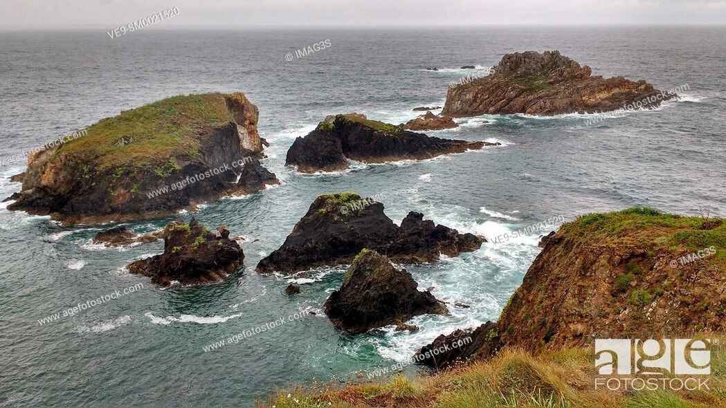 Stock Photo: Salave cliffs, Way of St James (Coastal Road GR E-9), Tapia de Casariego municipality, Asturias, Spain.