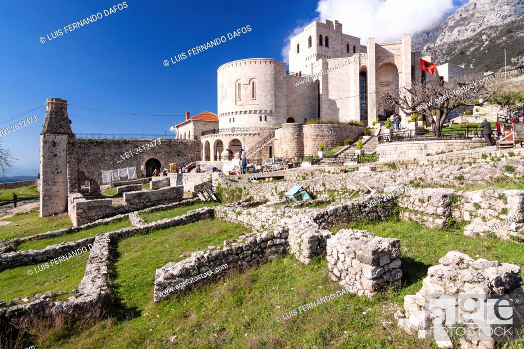 Imagen: National Museum at the citadel of Kruja, Albania.