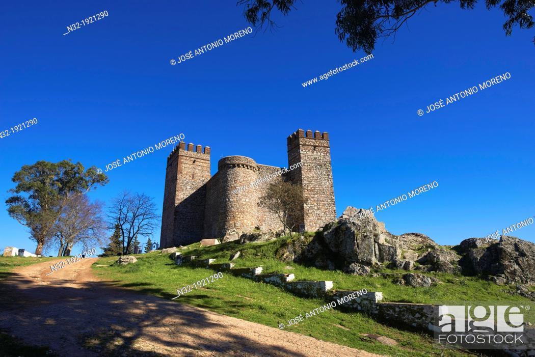 Stock Photo: Cortegana  Castle, Sierra de Aracena y Picos Aroche natural park, Huelva province, Andalusia, Spain.