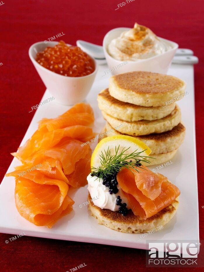 Imagen: Blini with smoked salmon salmon roe and cream cheese.