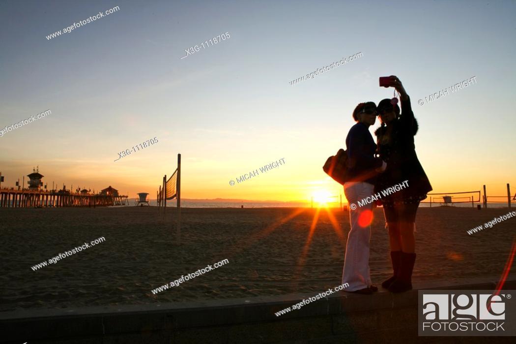 Stock Photo: Late afternoon at the Huntington Beach Pier, California, USA.