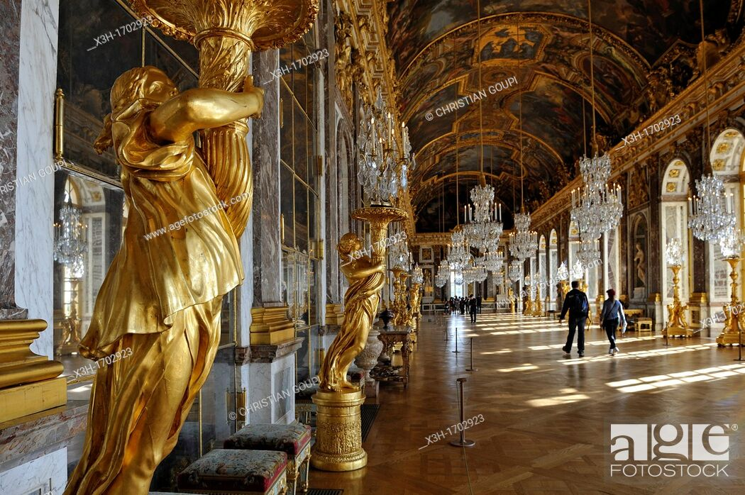Hall Of Mirrors Of The Palace Of Versailles Yvelines Departement