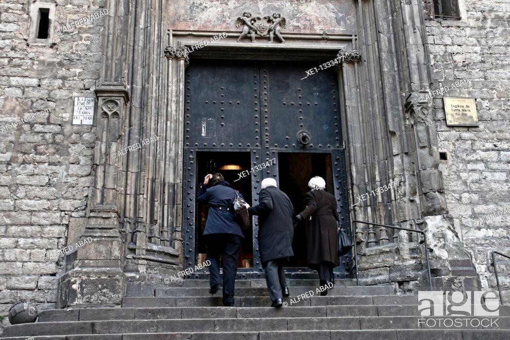 Stock Photo: Basilica of Santa Maria del Mar, Barcelona, Catalonia, Spain.