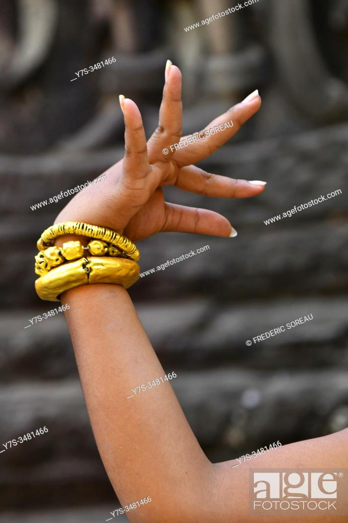 Stock Photo: Temple dancer, Apsara dancer in Angkor Wat, Siem Reap Province, Cambodia, South East Asia.