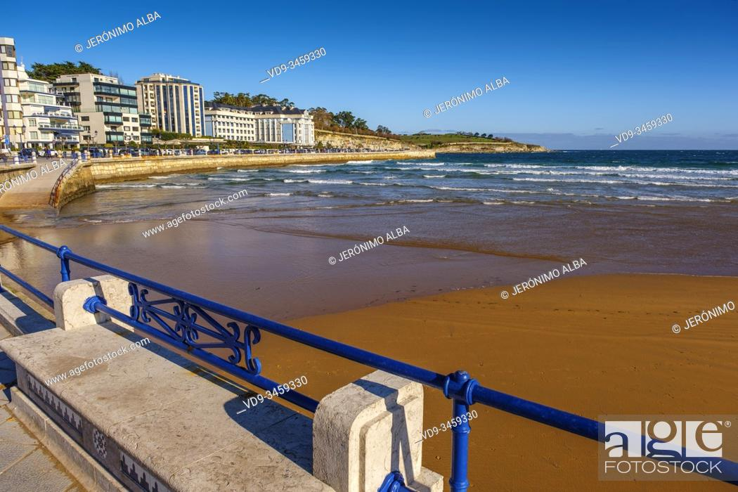 Stock Photo: Panoramic view. Sardinero beach. Santander, Cantabrian Sea. Cantabria, north Spain. Europe.