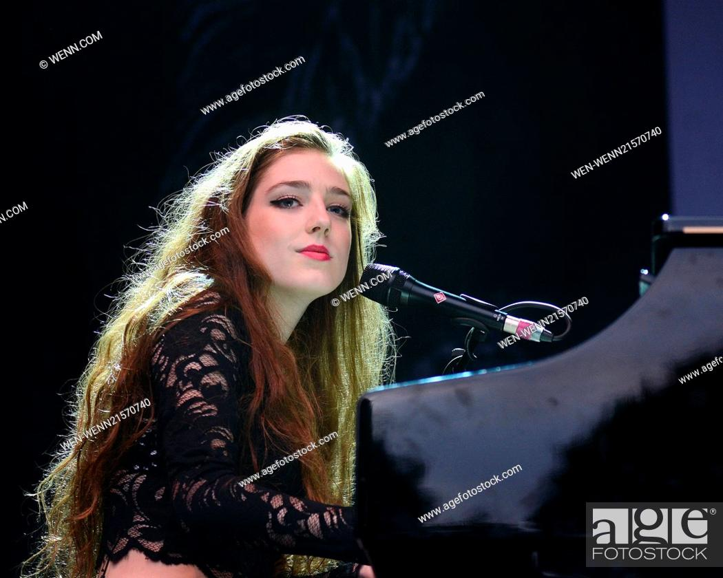 Birdy performs live at The Iveagh Gardens with support from