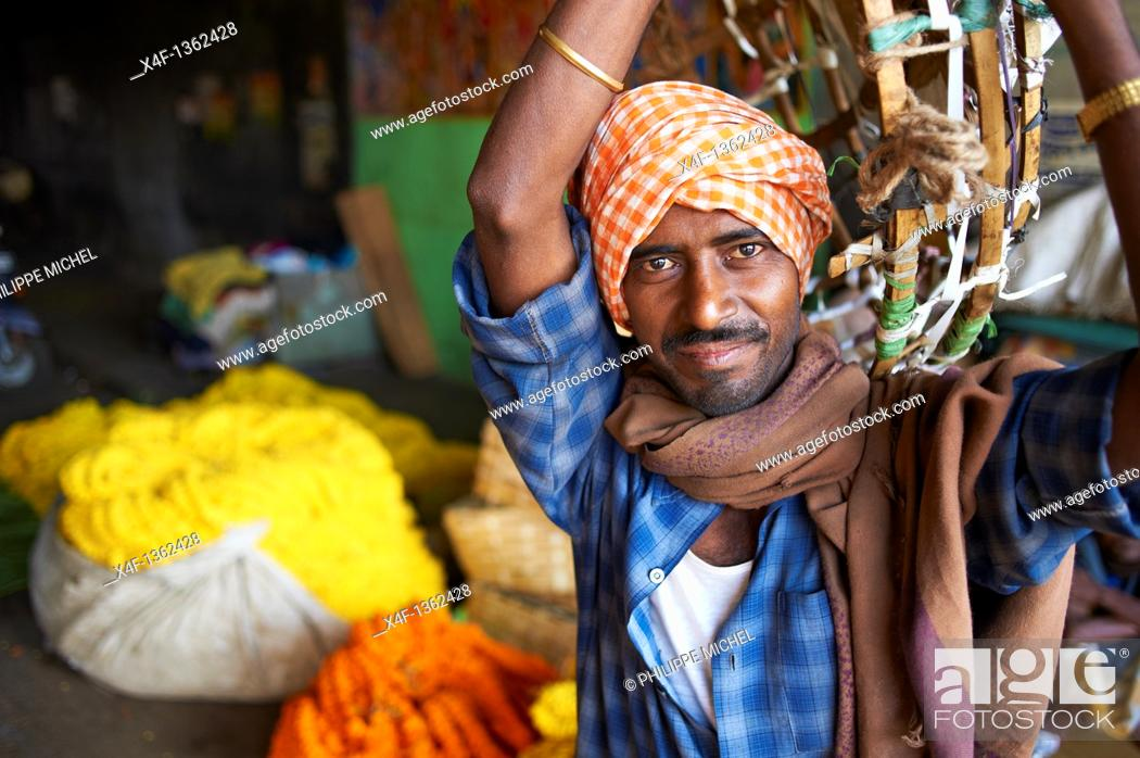 Stock Photo: India, West Bengal, Kolkata, Calcutta, Mullik Ghat flower market.