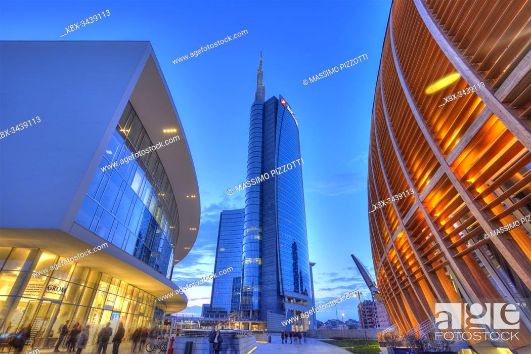 Stock Photo: The modern district of Porta Nuova with Unicredit tower, Milan, Italy.
