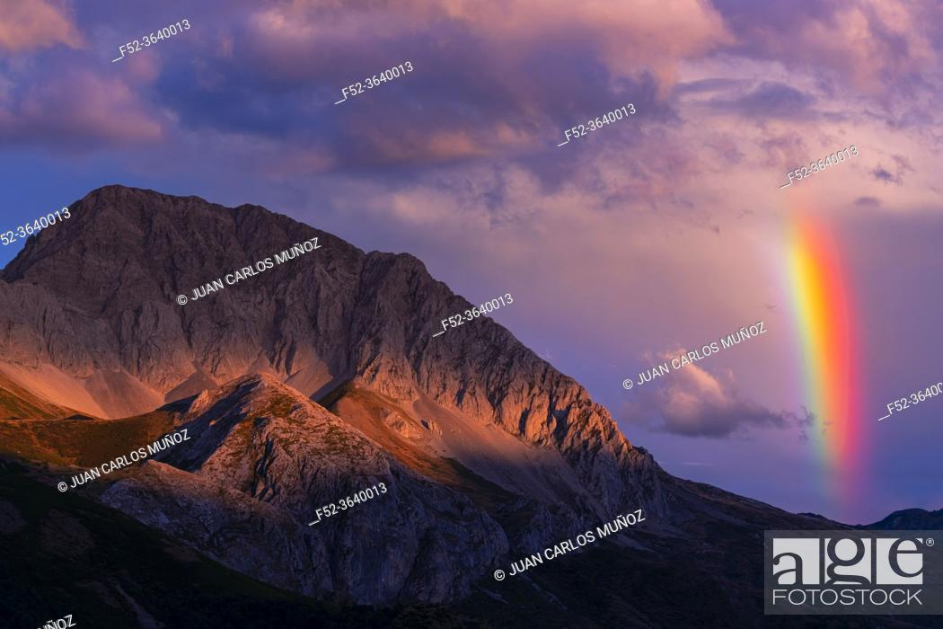 Stock Photo: Rainbow in the Massif of Las Ubiñas between Asturias and Leon. In the Natural Parks of Las Ubiñas-La Mesa in Asturias and the Natural Park of Babia y Luna in.