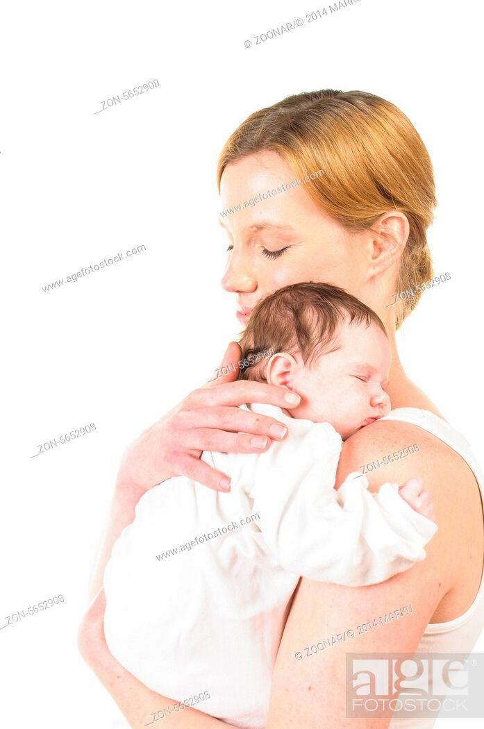 Stock Photo: Mutter mit Säugling auf dem Arm.