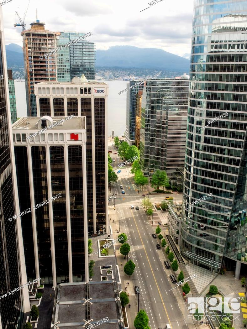 Imagen: View of Vancouver Downtown and Financial District from 31st floor.