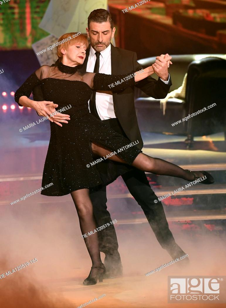 Imagen: Milena Vukotic during the performance at the tv show Ballando con le setelle (Dancing with the stars) Rome, ITALY-11-05-2019.