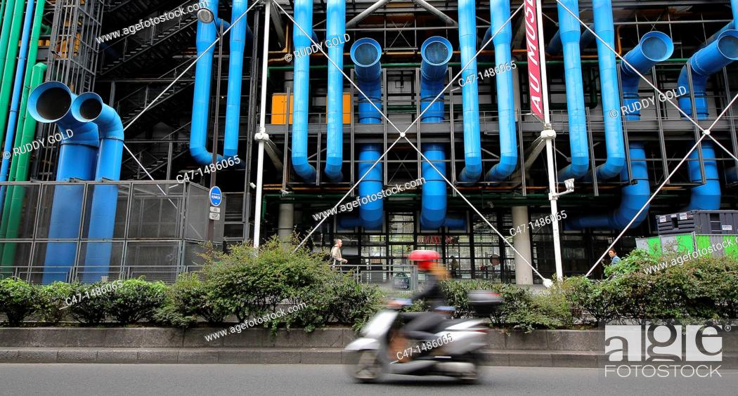 Stock Photo: Centre George Pompidou, architects Renzo Piano and Richard Rogers, the building contains the Musée National d'Art Moderne that is the biggest in Europe, Paris.