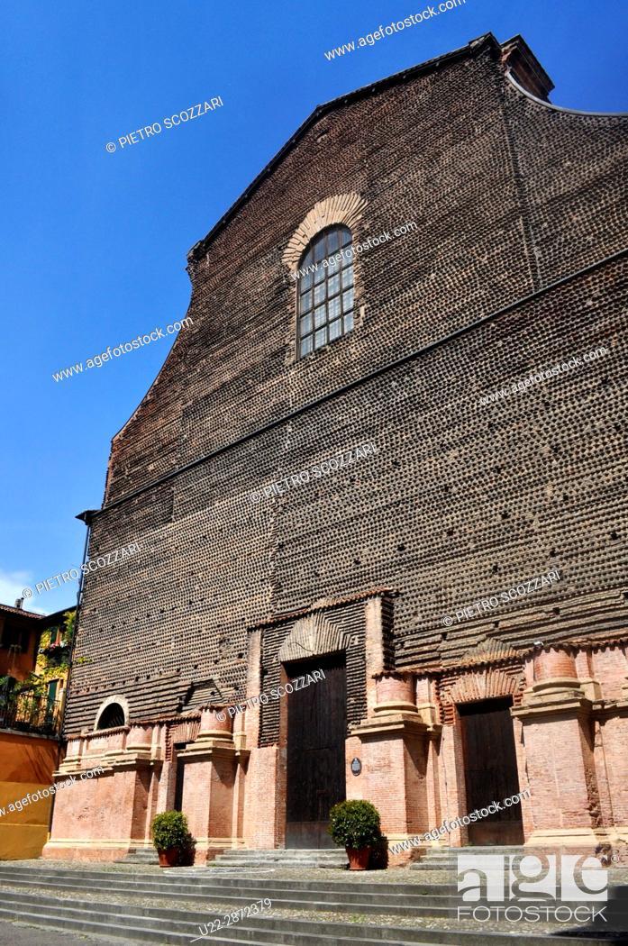 Stock Photo: Bologna, Italy: Santa Lucia (ex) church, along via Castiglione.