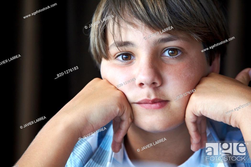 Stock Photo: jóven 13 años.