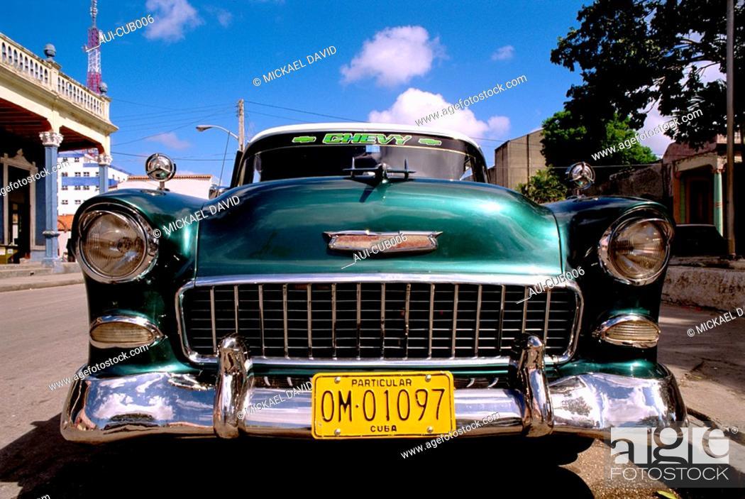 Stock Photo: Cuba - Oriente - Holguin - Old American Car.