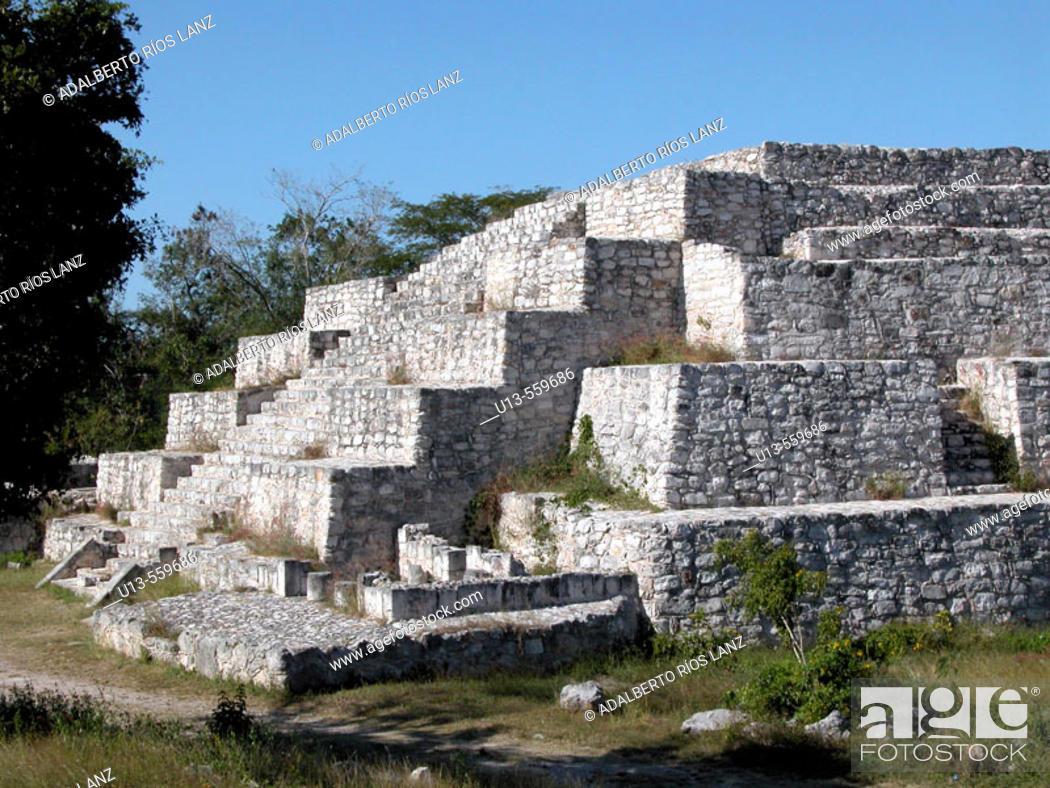 Stock Photo: Pyramid Dzibichaltun Mexico.