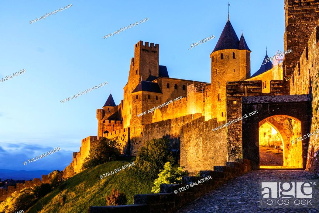 Imagen: ciudadela amurallada de Carcasona, declarada en 1997 Patrimonio de la Humanidad por la Unesco, capital del departamento del Aude, region Languedoc-Rosellon.