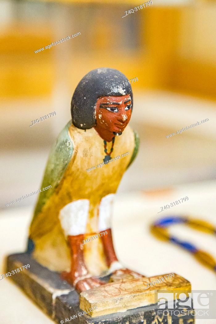 Stock Photo: Egypt, Cairo, Egyptian Museum, from the tomb of Yuya and Thuya in Luxor : Ba bird of Yuya, limestone, with an offering table in the shape of the Hotep sign.