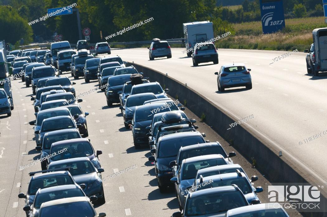 Stock Photo: France, Orleans, motorway A10, Sunday 25/8/19 at West of town, recurent traffic jam at the return of summer vacation.