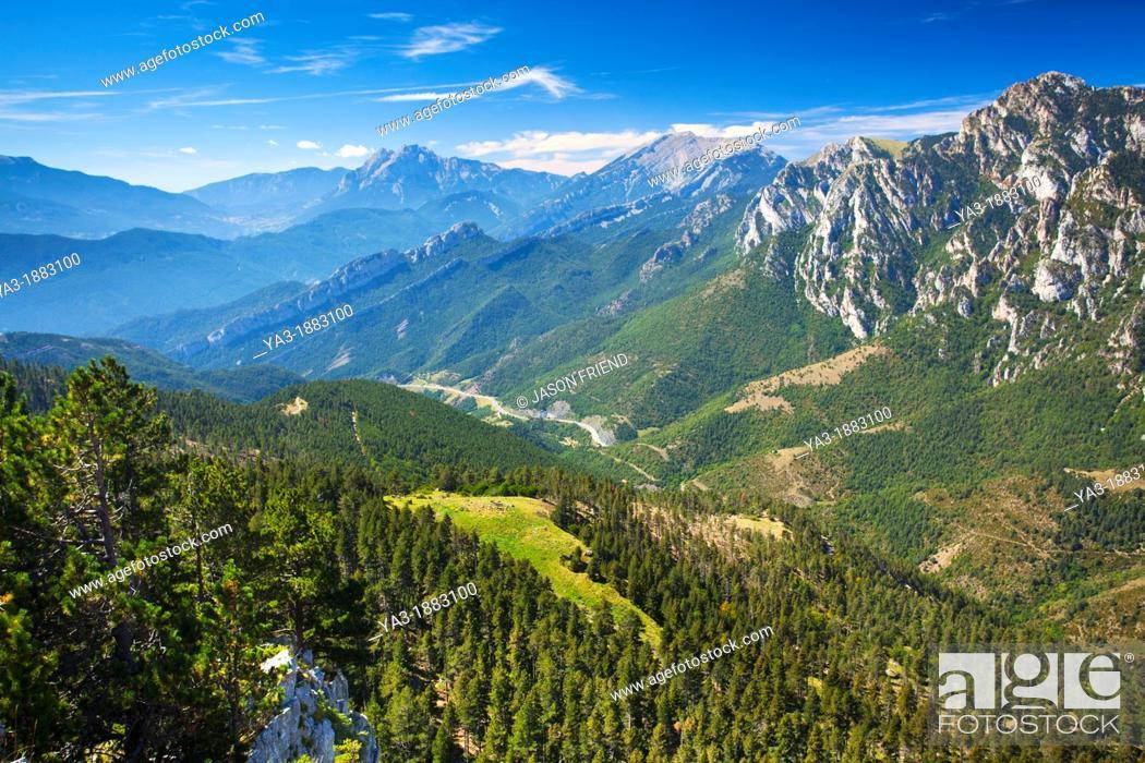 Stock Photo: Spain, Catalonia, Pyrenees, Cadí-Moixeró Natural Park  The Pyrenees mountain range in the Cadí-Moixeró Natural Park.