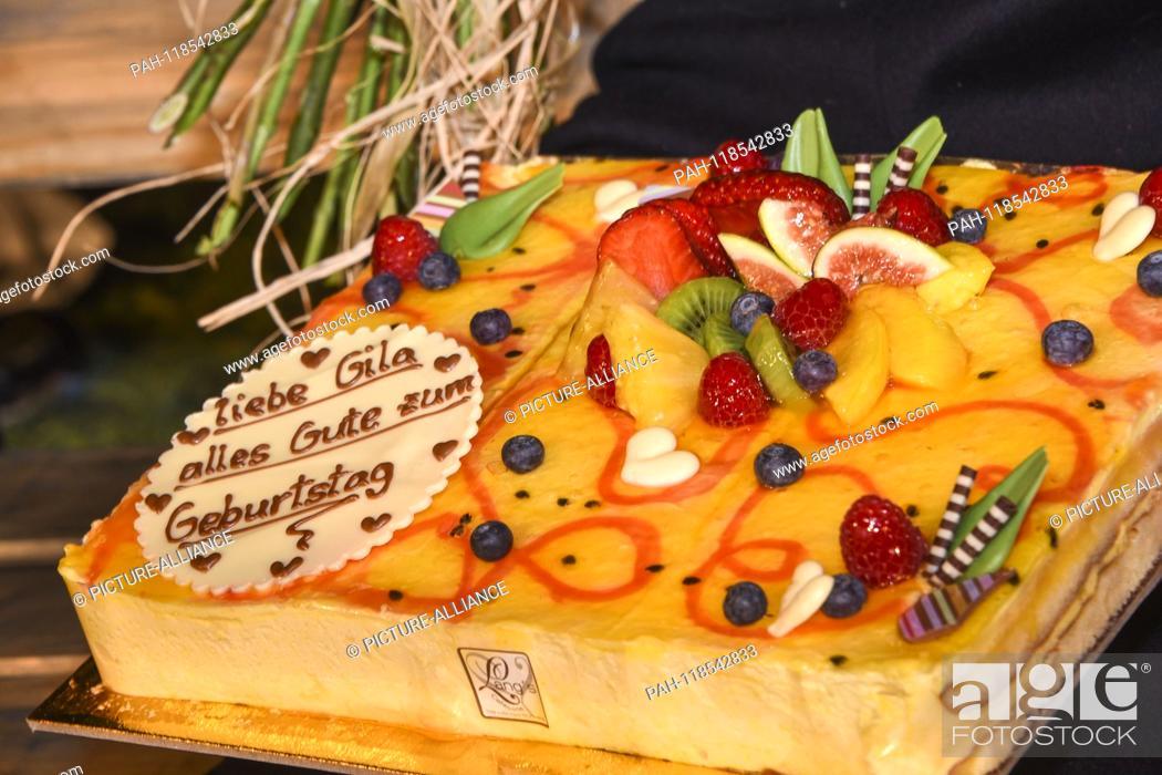 Tremendous Gila Von Weitershausens Birthday Cake On Thursday 21 03 Stock Funny Birthday Cards Online Alyptdamsfinfo