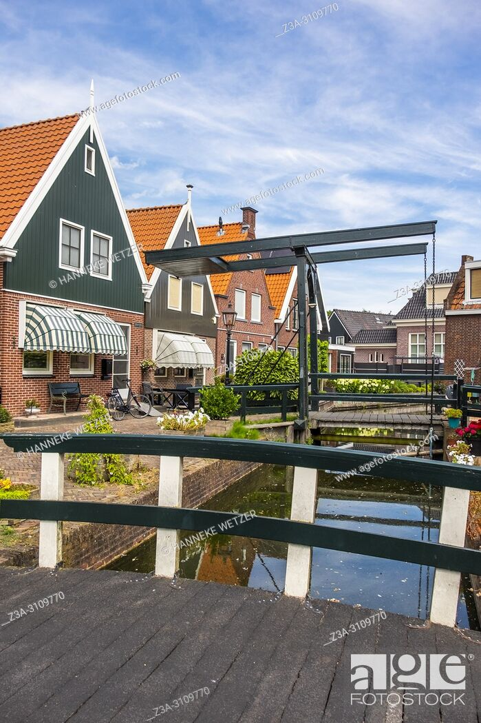Photo de stock: Streets of Volendam, North-Holland, the Netherlands, Europe.
