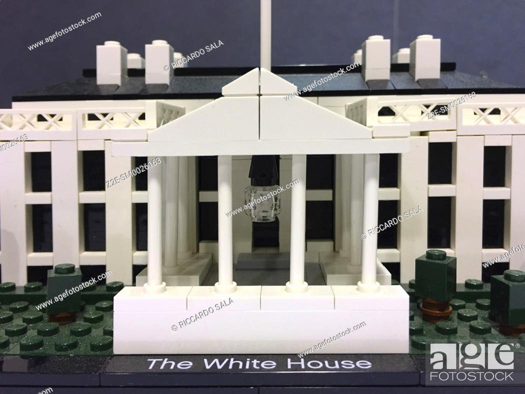 Imagen: The White House, made of Lego bricks. . . .
