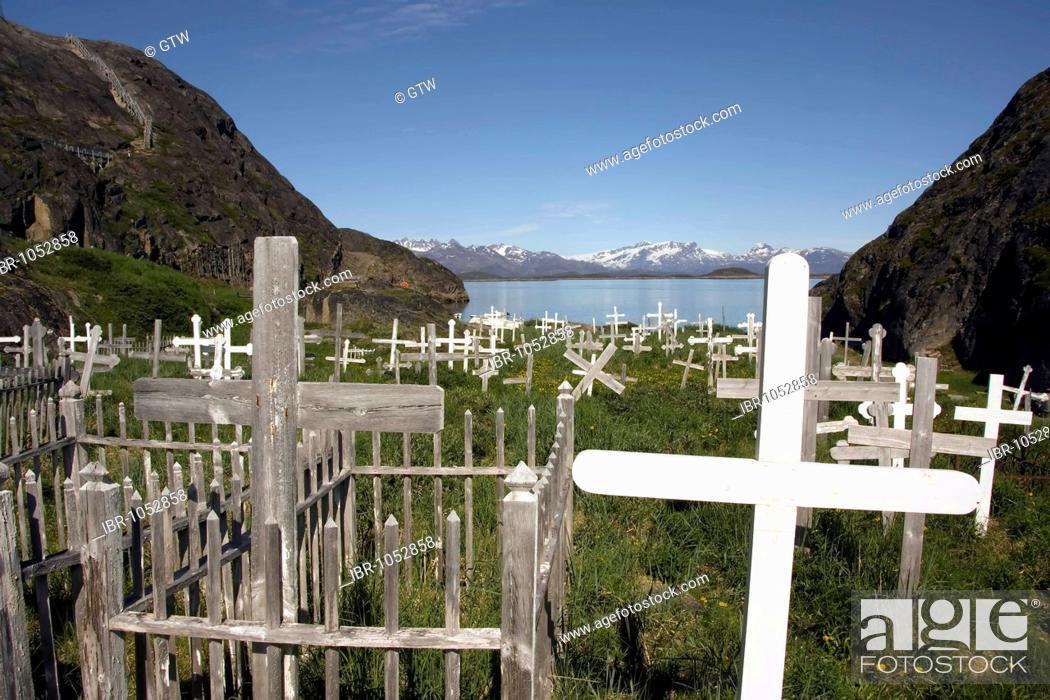Stock Photo: Maniitsoq or Sukkertoppen cemetery, Cross, Greenland, Denmark.