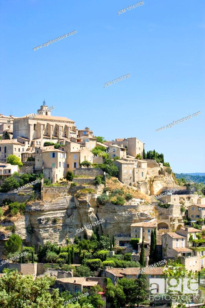 Stock Photo: Gordes, Vaucluse, Provence, France.