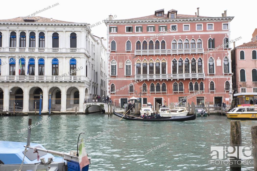 Imagen: Venice, Veneto, Italy : Cityscape at a winter morning.