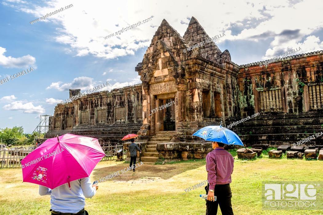 Stock Photo: Asia. South-East Asia. Laos. Province of Champassak. Tourists at Wat Phou.